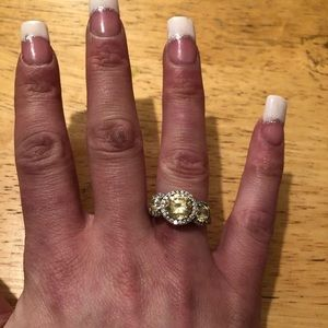 Sterling silver 925 Swarovski canary ring size 6
